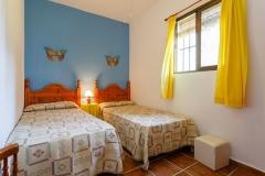 dormitorio-dos-camas-azul