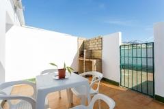 patio-sillas-barbacoa