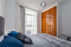 dormitorio-armario-ventanal