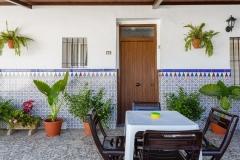 patio-entrada-casa-tres