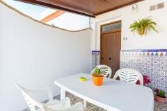 patio-entrada-casa-uno