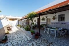 patio-techo-mesas